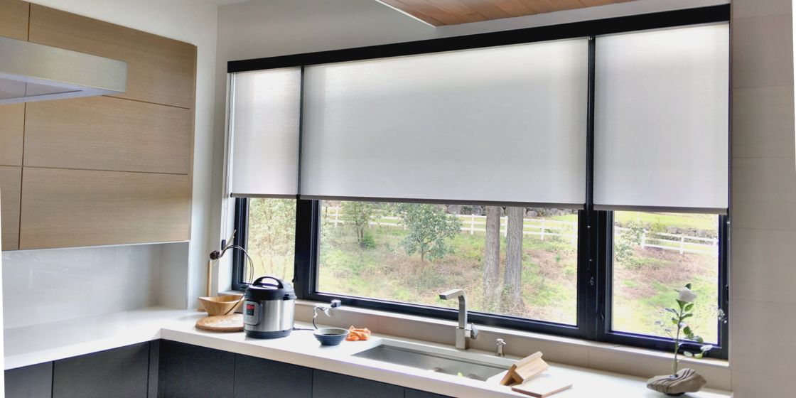 Roller Shades - Portland Area - Seto 5000 Ivory - Kitchen